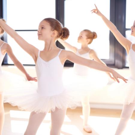 Junior Ballet (3 – 4,5 ετών)